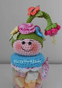 het is gelukt Crochet Gifts, Cute Crochet, Beautiful Crochet, Crochet Dolls, Crochet Baby, Knit Crochet, Crochet Jar Covers, Jar Lids, Amigurumi Toys