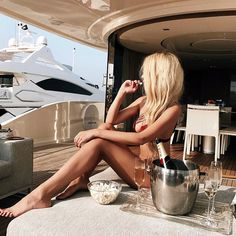 Pin by morgan anne on livin the great life роскошная жизнь, Boujee Lifestyle, Luxury Lifestyle Fashion, Luxury Fashion, Fashion Fashion, Fashion Models, Rich Girls, Alena Shishkova, Executive Fashion, Executive Style