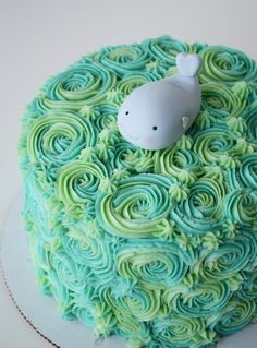 Side of cake or smash cake ?Under the Sea Cake with Fondant Whale Topper w/ Tutorial. Great for a boy's or girl's birthday, a baby shower, or just for summer fun! Whale Cakes, Sea Cakes, Baby Birthday, 1st Birthday Parties, Birthday Cakes, Birthday Ideas, Cupcakes, Cupcake Cakes, Beaux Desserts