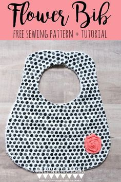 Learn how to sew a flower bib by following this free tutorial and pattern. Sewing Patterns Free, Free Sewing, Sewing Tutorials, Sewing Projects, Kids Clothes Patterns, Clothing Patterns, Kids Clothing, Baby Bib Tutorial, Do It Yourself Organization