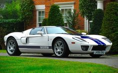 Looking for the Ford GT of your dreams? There are currently 24 Ford GT cars as well as thousands of other iconic classic and collectors cars for sale on Classic Driver. Sport Yacht, Sport Cars, Car Camper, Campers, Corvette Zr1, Gt Cars, Race Cars, Car Ford, Auto Ford