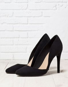 183dbd28d6317 Escarpins asymétriques Bershka - Chaussures - Bershka France Bershka  Chaussures, Cuissardes, Bottines, Talons