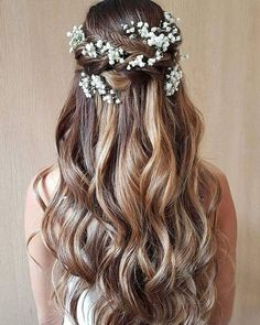 Beautiful simple and elegant wedding hairstyle for a boho bride. - - Beautiful simple and elegant wedding hairstyle for a boho bride. Beautiful simple and elegant wedding hairstyle for a boho bride. Elegant Wedding Hair, Wedding Hair Down, Wedding Hairstyles For Long Hair, Wedding Hair And Makeup, Down Hairstyles, Hairstyle Wedding, Hairstyle Short, Prom Hairstyles, Hair Updo