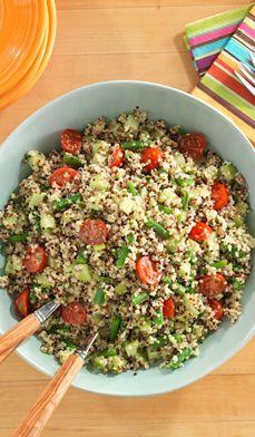salade de quinoa piquante -  Ajoutez du piquant à vos salades traditionnelles. Savourez cette salade à base de quinoa, une graine très prisée sans gluten et riche en protéines, parfaite pour un pique-nique, une fête ou toute occasion.