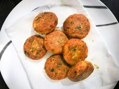 Paneer Kababis a delicious shallow fried crisp yet melt in mouth Indian cottage cheese kababsseasoned with tickling spices and dry fruits.Do you know that it takes flat 15 minutes only to make these paneerkebabs? #starters #snacks #appetiser #Indian #recipe Amish Recipes, Dutch Recipes, Indian Food Recipes, Snack Recipes, Ethnic Recipes, Paneer Kabab, Chaat Masala, Paneer Snacks, Paneer Recipes
