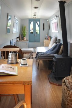 Narrowboat Lounge Diner Interior - Small Space Design by lunarlunar Small Space Design, Small Spaces, Living Room Modern, Living Spaces, Living Rooms, Small Houseboats, Canal Boat Interior, Trailers, Narrowboat Interiors