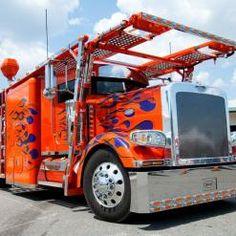 18 Wheeler Trucks
