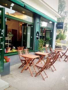 La Cantine: Feels like Paris in Helsinki? Yes, visit this little bistro in Munkkiniemi area. Nice place especially for lunch.