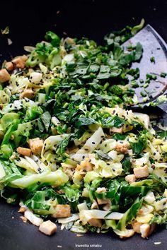 Stir-fry z młodej kapusty Tofu, Lactose Free Recipes, Veggie Recipes, Stir Fry, No Bake Cake, Pasta Salad, Dairy Free, Main Dishes, Fries
