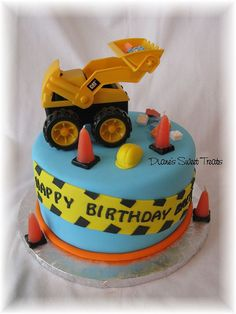 construction cake for Brett's 2nd birthday by Diane's Sweet Treats - (Diane Burke), via Flickr
