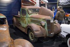 General Motors Truck, showroom, vintage trucks