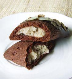 Muccasbronza: Ravioli dolci con crema di castagne, mandorle e cioccolato