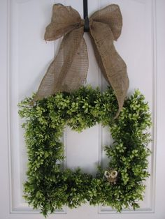 All Year Wreath - Boxwood Burlap and Friend Wreath for Year Round