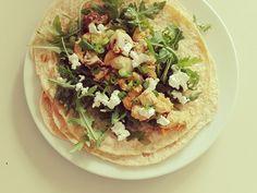 EiWrap. De wrap wordt gemaakt van EI! Klik hier voor het recept. Tacos, Wraps, Mexican, Ethnic Recipes, Food, Egg As Food, Essen, Meals, Yemek