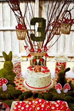 if i were a kid again....A woodland party --- i was just thinking today that a woodland party would be so fun!