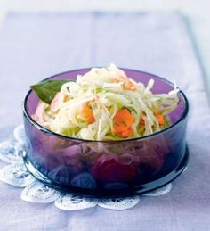 Marinoitu kaalisalaatti | Lisukkeet, Salaatit | Kodin Kuvalehti