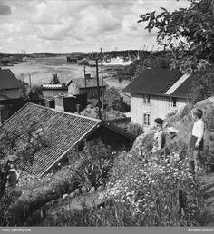 Slottsberget Best Fashion Photographers, Laurel And Hardy, Retro 1, Gothenburg, Photo Illustration, Illustrations, Old Pictures, Stockholm, Railroad Tracks