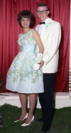 now all i need is that dress, that hair and that guy ; 50 Years Ago, Prom Photos, History Projects, Prom Night, Couple Pictures, Historical Photos, Homecoming, Chelsea, Fashion Dresses