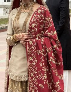 Asian Bridal Dresses, Party Wear Indian Dresses, Desi Wedding Dresses, Pakistani Fashion Party Wear, Pakistani Formal Dresses, Designer Party Wear Dresses, Pakistani Wedding Outfits, Indian Bridal Outfits, Indian Fashion Dresses