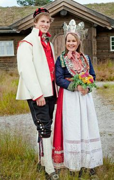 Europe couple wearing traditional wedding costumes and bridal crown, Norway Traditional Fashion, Traditional Wedding, Traditional Dresses, Norwegian Clothing, Norwegian Wedding, Wedding Attire, Wedding Dresses, Costumes Around The World, Wedding Costumes