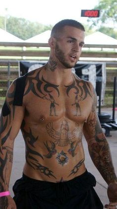 FOR THE LOVE OF - Guys With Tattoos