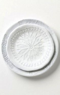 White laces dishes