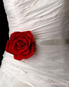 Red rose sash represents love and adds a POP of color! Sash available at @withthisbling1 #BridalSash