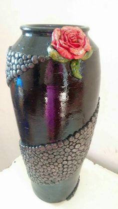 Indescribable Pottery Vases Fun Ideas Cheap And Easy Ideas: Pottery Vases Studios vases decoration centerpieces.Copper Vases Tin Cans vases decoration centerpieces. Flowers Wine, Flower Vases, Glass Bottle Crafts, Bottle Art, Pottery Painting, Pottery Vase, Clay Vase, Ceramic Vase, Clay Art Projects