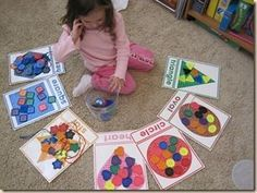 Shape Sorting: I used my Shape Cards from the Letter of the Week curriculum, and had we sorted our Large Buttons onto each shape card. You can also use the Color flashcards from the Letter of the Week as well for color sorting. Preschool Classroom, Preschool Learning, Kindergarten Math, Fun Learning, Toddler Activities, Learning Activities, Preschool Activities, Early Learning, Preschool Printables