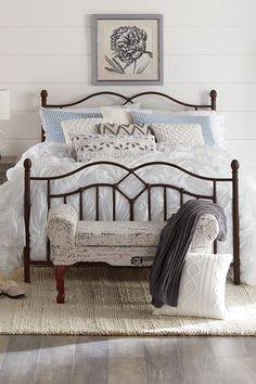 50 Favorite Bedding for Farmhouse Bedroom Design Ideas and Decor – Home Design Farmhouse Bedroom Decor, Home Decor Bedroom, Diy Home Decor, Bedroom Ideas, Bed Ideas, Small Master Bedroom, Comfy Bedroom, Amazing Decor, Bedroom Styles