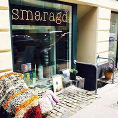 Solen skinner og butikken bugner af skønne varer ☀️🌴 I dag har vi 20% på alt fra Skjalm P 😱 #skjalmp #smaragd_shop #søllerødgade #stefansgade #nørrebro #københavn #vaser #mithjem #interiør