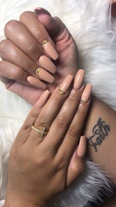 Best Nail Salon, Burgundy Nails, Creative Nails, Trendy Nails, Halle, Beautiful Hands, Fun Nails, Nail Designs, Outfits