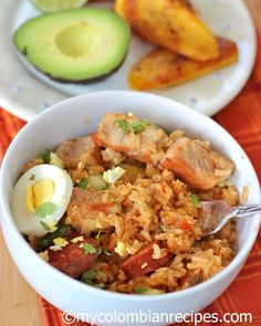 Plain boiled rice is eaten by most people in Colombia every day, but for entertaining, a more interesting rice dish is often served. Arroz Atollado is a typical Latin American Food, Latin Food, Pork Recipes, Mexican Food Recipes, Ethnic Recipes, Fun Easy Recipes, Healthy Recipes, Colombian Food, Colombian Recipes
