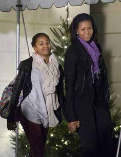 Sasha Obama  and First Lady Michelle Obama