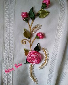 christmas present gift wrap. Home decor flowers. Pastel home decor Embroidery Motifs, Silk Ribbon Embroidery, Cross Stitch Embroidery, Handmade Embroidery Designs, Creative Embroidery, Pastel Home Decor, Sewing Stuffed Animals, Crochet Bedspread, Bead Sewing