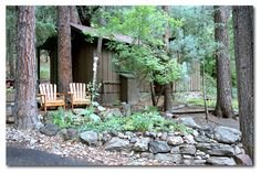 The Butterfly Garden Inn cabin - Sedona. Awesome get away place! Beautiful weather with your own little cabin at a reasonable price!