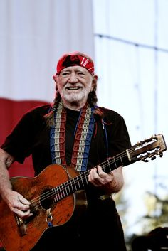 Willie Nelson's smile warms my heart. Birthday Wishes Funny, Happy Birthday Messages, Happy Birthday Quotes, Happy Birthday Images, Birthday Pictures, Birthday Memes, Birthday Posts, Birthday Fun, Birthday Board