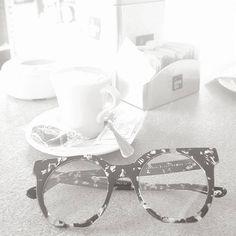 assikristian@vakkereyewear  Buongiorno a tutti... Ps. Ci si vede!!! #like #sunglasses #eyewear #occhialidavista #glasses #shades #occhialidasole #vakker #vakkereyewear #love
