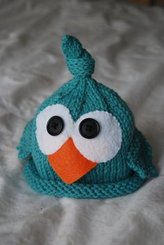 Bird knit newborn hat