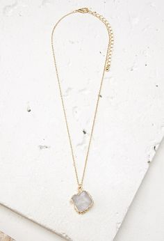 Faux Stone Pendant Necklace - Womens accessories, jewellery and bags | shop online | Forever 21 - Jewellery - Necklaces - 1000077844 - Forever 21 EU