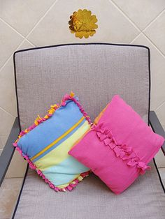 More new sew pillows!  The pillow on the left is like the no sew comforter.  The pillow on the right's construction consists of two separate pieces of fleece which wrap the pillow in opposite directions and are secured with ties in the center.