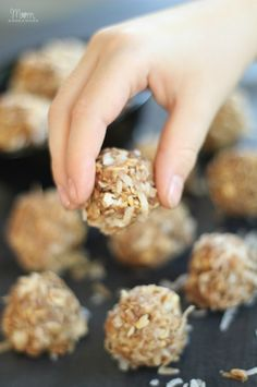 No-Bake Peanut Butter & Coconut Snack Bites - make with the kids for a fun project!!