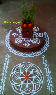 Rani is a popular Rangoli Designer who creates lot of Rangoli's with dots. There are lot of Rangoli designs below which are easy and simpl. Rangoli Side Designs, Simple Rangoli Border Designs, Free Hand Rangoli Design, Small Rangoli Design, Rangoli Ideas, Rangoli Designs With Dots, Beautiful Rangoli Designs, Tulasi Plant, Tulsi Vivah