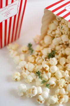 Parmesan & Thyme Popcorn | foodnfocus.com