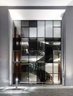 Modern Architecture   Glass architecture , the best projects and construction details www.bocadolobo.com #bocadolobo #luxuryfurniture #exclusivedesign #interiodesign #designideas #modernarchitecture