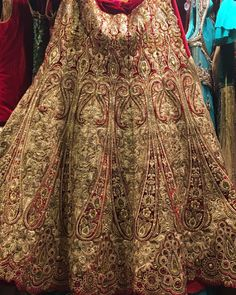 awesome vancouver wedding More bridal lehengas by request. #anarkali #suits #Sarees #gowns #Lehengas #igvancouver #iger#desi#fashion#vancouverphotography#vancouverfashion#vancouverislandvancity#vancitybuzz#myvancouverlife#indian#indianfashion#indianwedding#indianfashionblogger#instagood by @invoguefashionhaus  #vancouverindianwedding #vancouverwedding #vancouverwedding