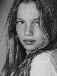 Face Photography, Photography Women, Black And White Portraits, Black And White Photography, New Faces Models, Beauty Shoot, Girl Photo Poses, Beauty Full Girl, Interesting Faces