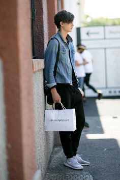 Gジャン×黒スウェットパンツ×Nikeローシラングレー | メンズファッションスナップ フリーク | 着こなしNo:116688 Ootd Fashion, Mens Fashion, Street Fashion, Street Style Blog, Classic Wardrobe, My Style, Style Men, Winter Fashion, Menswear