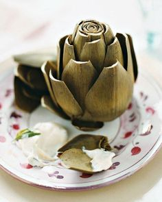Steamed Artichokes with Tarragon Mayonnaise. dinner martha stewart Steamed Artichokes with Tarragon Mayonnaise Easter Appetizers, Easter Dinner Recipes, Appetizer Recipes, Appetizer Ideas, Christmas Main Dishes, Easy Starters, Mayonnaise Recipe, Fruits And Veggies, Lunches
