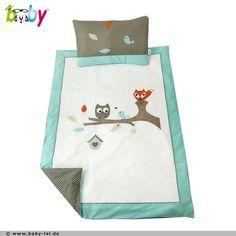 """Die Bettwäsche der Serie """"Die EULE Shu-Huu auf dem Ast mit dem Fuchs Edcar"""" von BABY LAL®, mit niedlichen Tier-Applikationen, lässt Ihren kleinen Schatz gemütlich schlummern."""